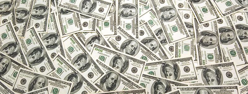 ¿Debería invertir mi dinero en dólares?